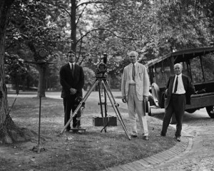 Lee de Forest made a series of short films, to demonstrate how his sound-on-film system would work, using such settings as this one: the White House.